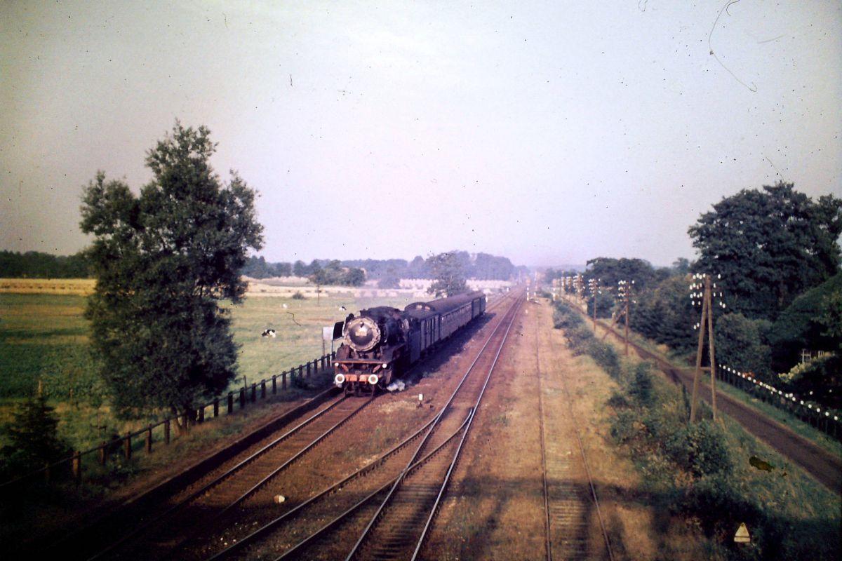 Bahnhof Wüsting mit Dampflok
